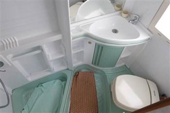 Tenda Per Vasca Da Bagno Angolare : Bagno in camper caravan e motorhome consigli per l uso