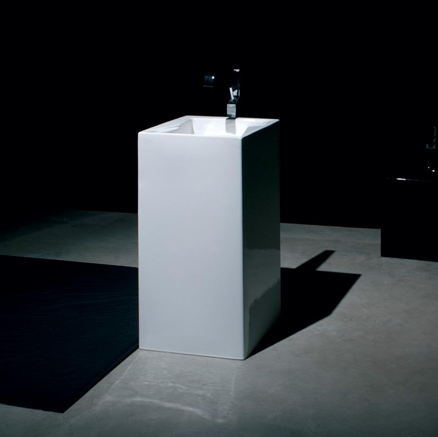 Lavabo a colonna oz centro stanza for Lavabo a colonna