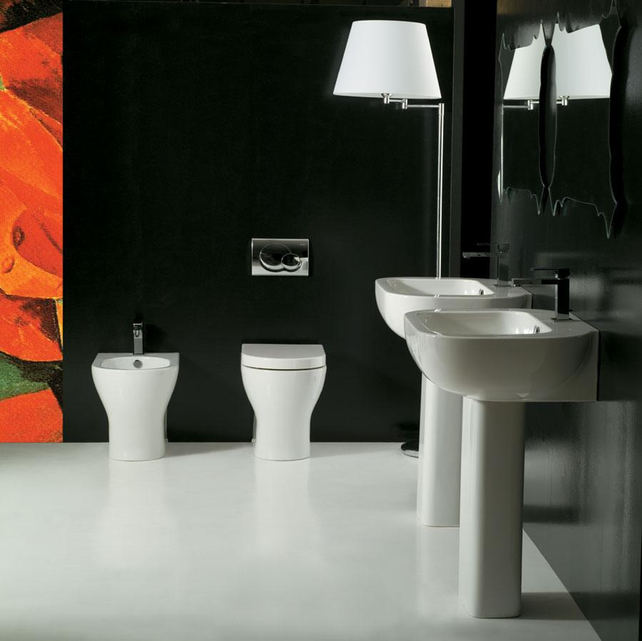 Sanitari filo muro lover con lavabo a colonna - Costo sanitari bagno completo ...