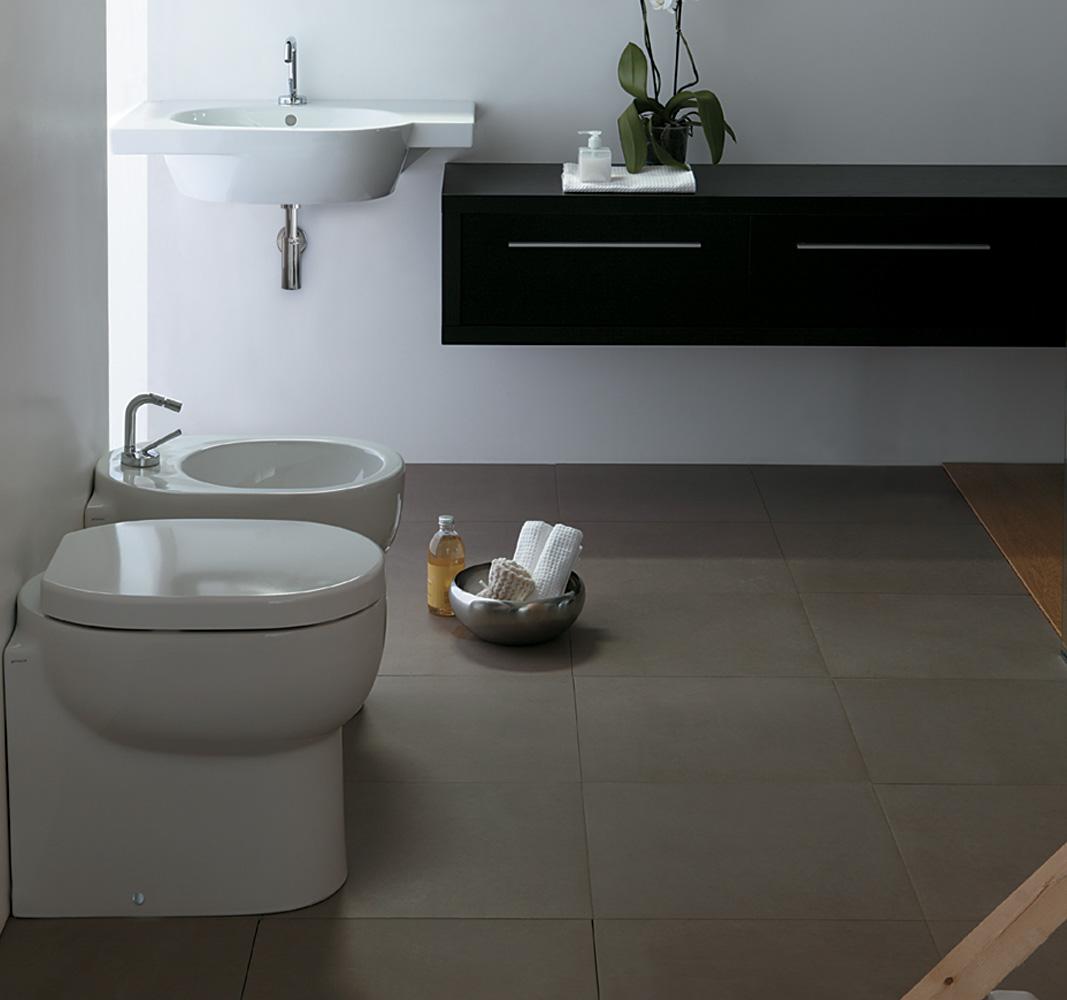 Sanitari m2 con lavabo sospeso da 85 cm - Costo sanitari bagno completo ...